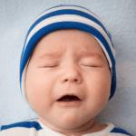 Bebeklerde Reflü Nedir? Nasıl Önlenir? Nasıl Tedavi Edilir?