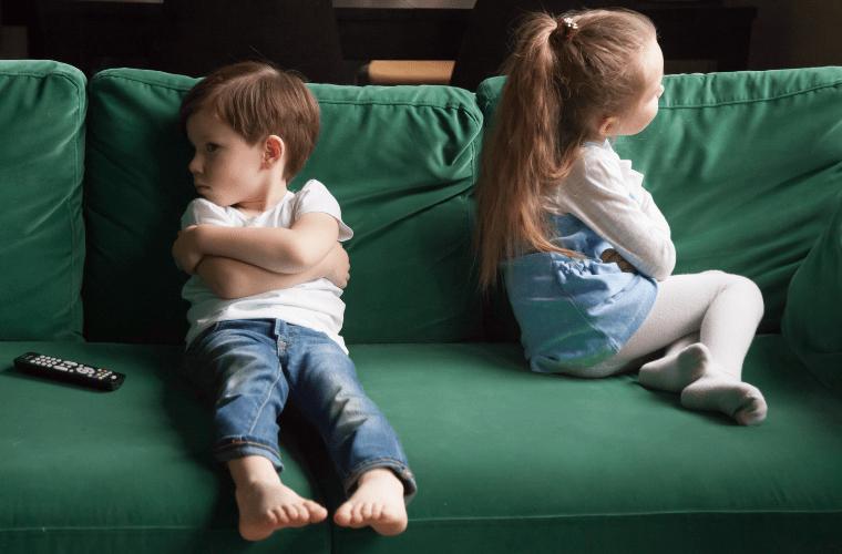 Çocuklarda Kıskançlık Hakkında Bilmeniz Gereken Her Şey