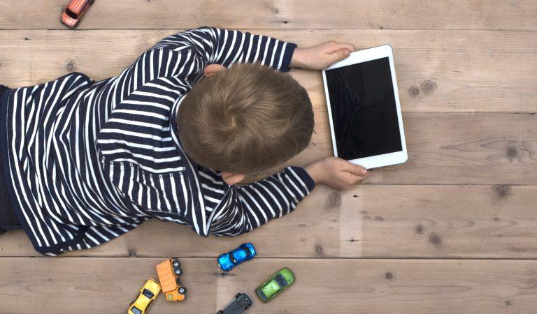 Ekranların Çocuklar Üzerindeki Etkisi